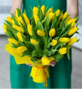 35 Желтых тюльпанов