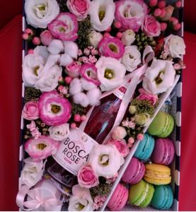 Коробочка с розовым шампанским